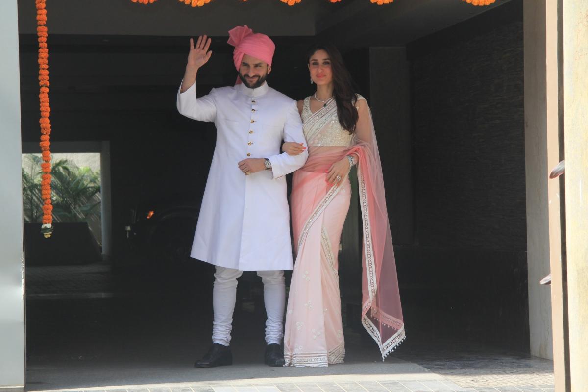 Saif Ali Khan And kareena Kapoor In Soha Ali Khan Wedding Reception