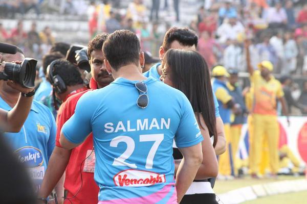 Salman Khan Dabangga Style Photo